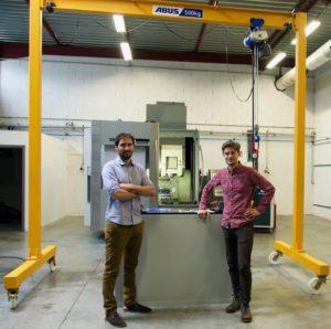 L'équipe d'Alfacem réalise vos prototypes dans les meilleurs délais grâce à son centre d'usinage 5 axes